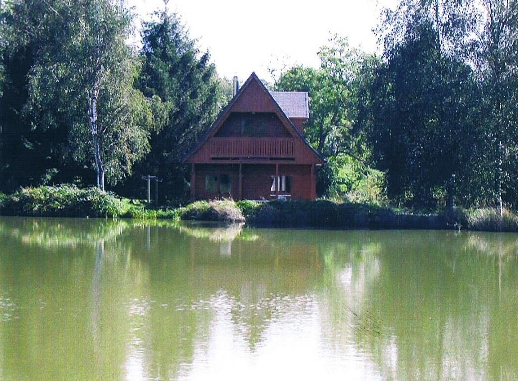 Le repos et la pêche sur les bases le domaine de Rostov